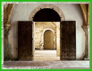D'après l'abbaye de Fontenay, vue intérieure, 1147 apjc, Bourgogne, France, XIIe siècle, art cistercien, époque Romane. (Marsailly/Blogostelle)