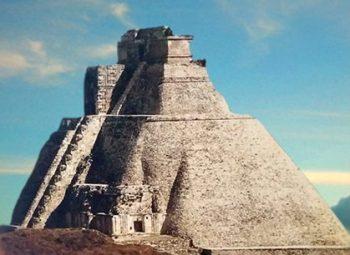 D'après la pyramide du Devin, Uxmal, époque classique Maya, 600-900 avpc, Yucatan, Mexique. (Marsailly/Blogostelle.)