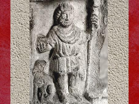 D'après le dieu gaulois Sucellus Pilier des Nautes, Ier siècle apjc, Lutèce, Paris, Gaule Romaine. (Marsailly/Blogostelle)