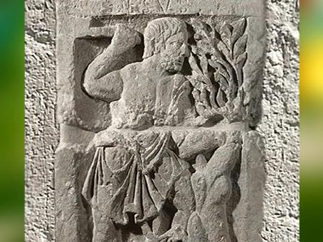D'après le dieu gaulois Esus, Pilier des Nautes, Ier siècle apjc, Lutèce, Paris, Gaule Romaine. (Marsailly/Blogostelle)