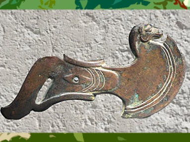 D'après une hache d'apparat, cuivre, fin IIIe -début IIe millénaire avjc, Bactriane, Nord Afghanistan, Orient ancien. (Marsailly/Blogostelle)
