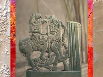 D'après Horus qui terrasse les forces du désordre, grès, IVe siècle apjc, style égyptien-gréco-romain. (Marsailly/Blogostelle)