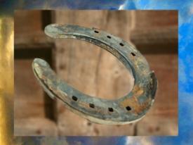 D'après un Fer à cheval, un objet bénéfique et un porte-bonheur dans la tradition populaire... (Marsailly/Blogostelle)