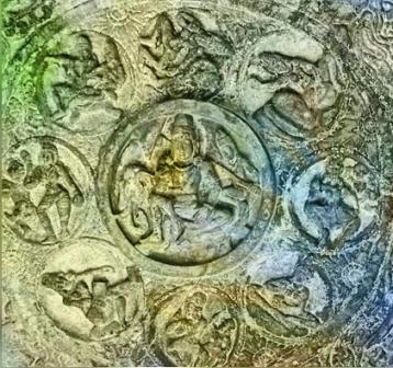 D'après Indra et les dikpâla, les huit gardiens de l'Espace,bas-reliefs, période Çâlukya, VIe-VIIIe siècle apjc, Bâdâmi, Dekkan, Inde ancienne. (Marsailly/Blogostelle)