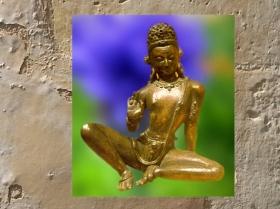 D'après une statue du dieu Indra, bronze, art népalais du XIIIe siècle. (Marsailly/Blogostelle.)