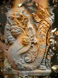 D'après un serpent nâgâ sculpté, IXe siècle apjc, Angkor, Cambodge, période médiévale. (Marsailly/Blogostelle)