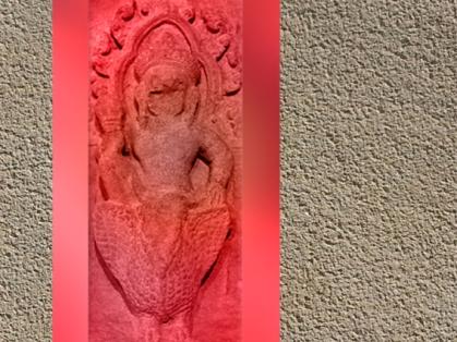 D'après le dieu Varuna sur sa monture Hamsa, l'oie sauvage, relief des Deuf Devas, période des Khleang, fin Xe siècle-début XIe siècle, Angkor, Cambodge. (Marsailly/Blogostelle.)