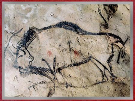 D'après un bison et flèches, grotte de Niaux, vers 14 000 -12000 avjc, Margdalénien, Ariège, France, paléolithique supérieur. (Marsailly/Blogostelle)