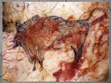 D'après un bison, grotte d'Altamira, peinture rouge, solutréen et magdalénien, Espagne, paléolithique supérieur. (Marsailly/Blogostelle)