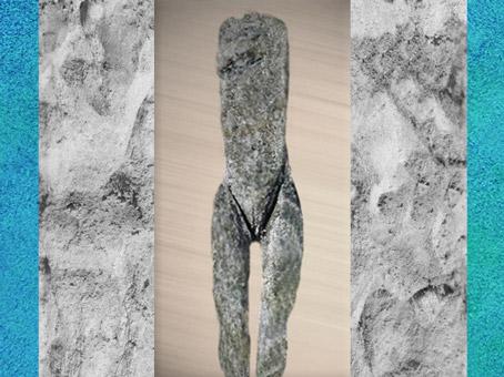 D'après une Vénus Impudique, ivoire de mammouth, Laugerie-Basse, Dordogne, magdalénien, style naturaliste, France, paléolithique. (Marsailly/Blogostelle)