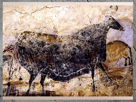 D'après la vache noire, auroch, grotte de Lascaux, vers 18 000 avjc, Magdalénien, Dordogne, France, Paléolithique supérieur. (Marsailly/Blogostelle)