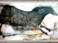 D'après un cheval en apesanteur, grotte de Lascaux, vers 18 000 avjc, Magdalénien, Dordogne, France, Paléolithique supérieur. (Marsailly/Blogostelle)