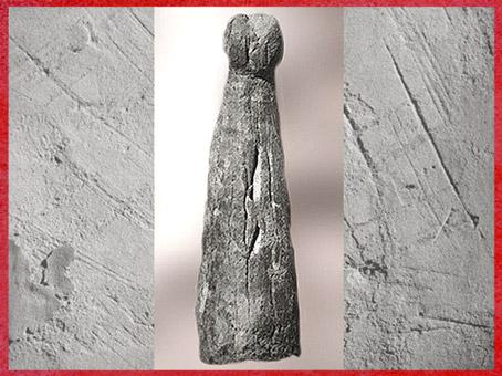 D'après une corne de bovidé sculptée, forme phallique, vers 30 000 avjc, abri- Blanchard, aurignacien, Dordogne, France. paléolithique supérieur. (Marsailly/Blogostelle)