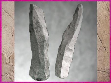 D'après des lames retouchées, silex taillé, aurignacien, paléolithique supérieur. (Marsailly/Blogostelle)