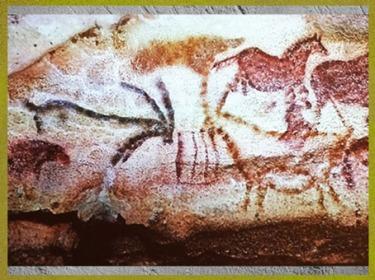D'après des bouquetins affrontés, peintures rupestres, grotte de Lascaux, Dordogne, vers 18 000 ans avjc, magdalénien, France, paléolithique supérieur. (Marsailly/Blogostelle)