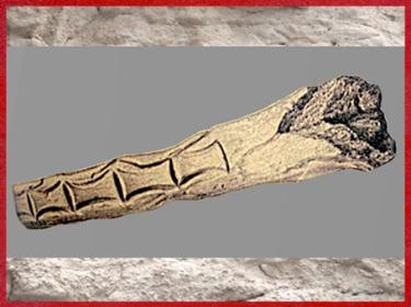 D'après un bâton gravé (de commandement?), à motifs géométriques, bois de renne, magdalénien, paléolithique supérieur. (Marsailly/Blogostelle)