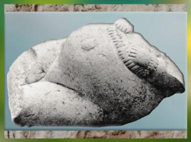 D'après une femme enceinte, et parure, Russie, gravettien, paléolithique supérieur. (Marsailly/Blogostelle)