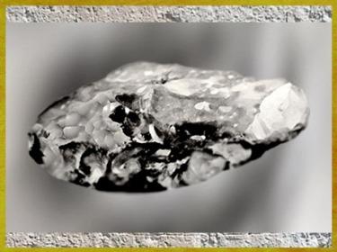 D'après des racloirs épais, silex taillé, moustérien, paléolithique moyen. (Marsailly/Blogostelle)