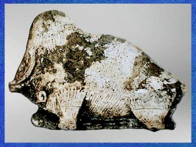 D'après un mammouth, fragment de propulseur, bois de renne, Magdalénien, paléolitique supérieur. (Marsailly/Blogostelle)