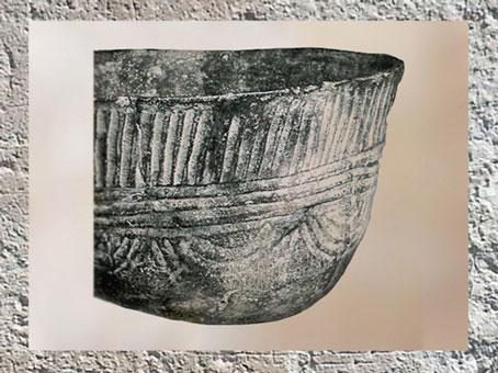 D'après une céramique, motifs de cannelures, détail, culture de Fontbouisse, IIIe millénaire avjc, chalcolithique, âge du cuivre. (Marsailly/Blogostelle)