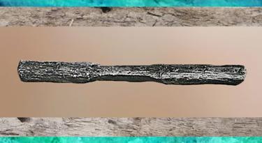 D'après une poignée d'arc, Holmegaard, Danemark, mésolithique. (Marsailly/Blogostelle)