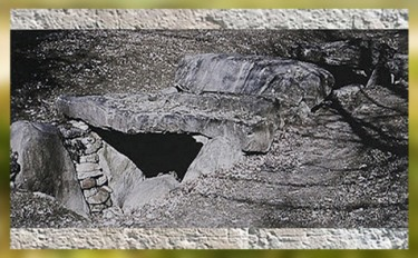 D'après une hypogée à grande dalle, Presle, îIe-de-France, monument mégalithique, néolithique. (Marsailly/Blogostelle)