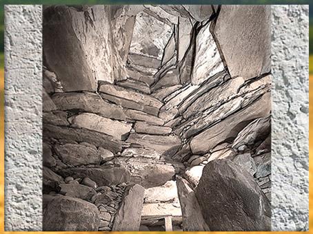 D'après le tumulus de Newgrange, couloirs et encorbellements, vers 3200 avjc, Irlande, IVe millénaire avjc, néolithique. (Marsailly/Blogostelle)