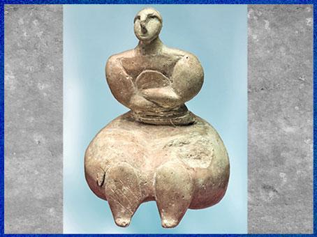 D'après une statuette féminine, pierre, Xaghra Circle, Gozo, 3150-2500 avjc, IVe- IIIe, millénaire avjc, Malte, néolithique. (Marsailly/Blogostelle)
