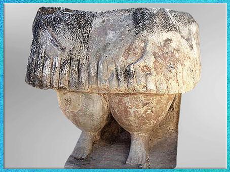 D'après un fragment de statue féminine, pierre, temples de Tarxien, mégalithes de Hal Saflieni, IVe- IIIe millénaire avjc, Malte, néolithique. (Marsailly/Blogostelle)