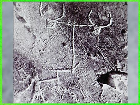 D'après un attelage de bovidés, gravure rupestre, Mont Bégo, Vallée des Merveilles, néolithique. (Marsailly/Blogostelle)