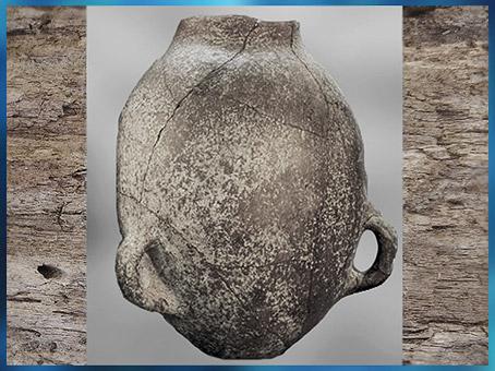 D'après un vase de stockage, céramique chasséenne, vers 4500-3500 avjc, néolithique. (Marsailly/Blogostelle)