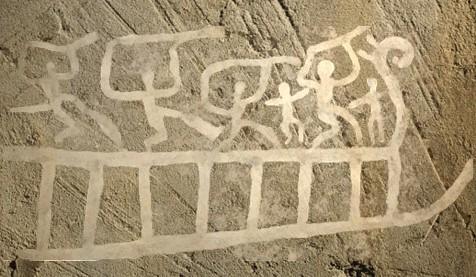 D'après un bateau et personnages, art rupestre nordique, âge du Bronze. (Marsailly/Blogostelle)