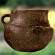 D'après un gobelet caréné, céramique, Charentes, France, entre 1900 ans avjc et 750 ans avjc environ, âge du Bronze. (Marsailly/Blogostelle)