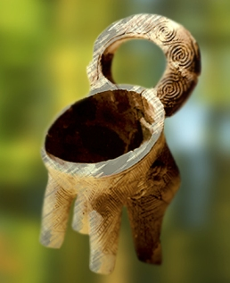 D'après un vase cultuel à motifs de spirales, Croatie,période Néolithique.(Marsailly/Blogostelle)