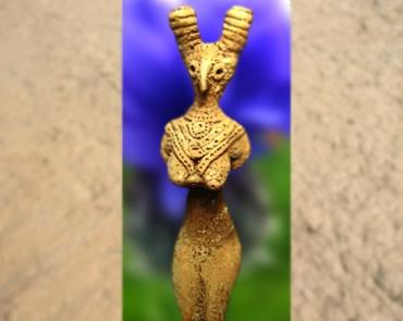 D'après une statuette féminine, terre cuite, vallée de l'Indus, IVe -IIIe millénaire avjc, période Néolithique, Inde ancienne. (Marsailly/Blogostelle)