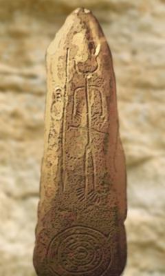D'après une stèle de guerrier, pierre gravée, Espagne, âge du Bronze. (Marsailly/Blogostelle)