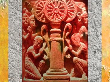 D'après une scène bouddhique d'adoration, la Roue symbolise l'enseignement du Buddha ou Loi, Inde ancienne. (MarsaillyBlogostelle)