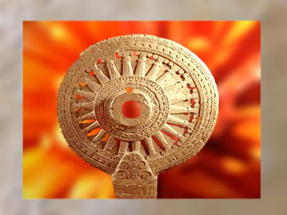 D'après une sculpture de la Roue de la Loi bouddhique, ou roue du Dharma, vers le VIIe siècle apjc. (Marsailly/Blogostelle)