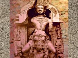 D'après le dieu Soleil Sûrya sur son char, XIIIe siècle, Konarak, art médiéval de l'Inde. (Marsailly/Blogostelle.)