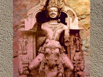 D'après le dieu Soleil Sûrya sur son char, haut-relief, XIIIe siècle, temple de Sûrya, Konarak, période médiévale, Inde ancienne. (Marsailly/Blogostelle)