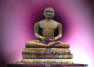 D'après Mahâvîra Grand Héros jaïn sur le lotus, symbole de réalisation spirituelle, statue. (Marsailly/Blogostelle