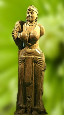 D'après une statue féminine, pierre polie, Patna, IIIe et IIe siècle avjc, Nord, style Maurya, Inde ancienne. (Marsailly/Blogostelle)