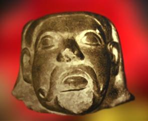 D'après une tête d'homme, grès sculpté et poli, vers les III-IIe siècles avjc, Sârnâth,Nord, style Maurya, Inde ancienne. (Marsailly/Blogostelle)