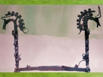 D'après un chenêt en fer forgé, têtes de chevaux, Ier siècle avjc, art Celte, La Tène, deuxième âge du Fer. (Marsailly/Blogostelle)