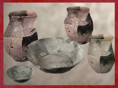 D'après des poteries de Martigues, âge du Fer dans le Midi de la France. (Marsailly/Blogostelle)