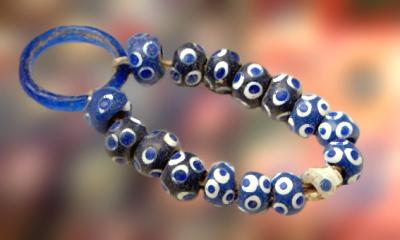 D'après des perles de verre, La Tène, sommaire âge du Fer. (Marsailly/Blogostelle)