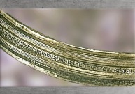 D'après le détail d'un torque en or du premier âge du fer. (Marsailly/Blogostelle)