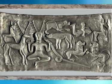 D'après le dieu-cerf, chaudron de Gundestrup, métal, or et argent, Ier siècle avjc, Danemark, art celte, âge du Fer. (Marsailly/Blogostelle)
