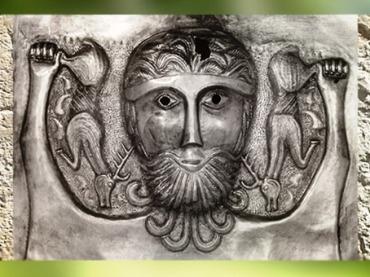 D'après le thème du Cerf, chaudron de Gundestrup, métal or et argent, Ier siècle avjc, Danemark, art Celte, âge du Fer. (Marsailly/Blogostelle)