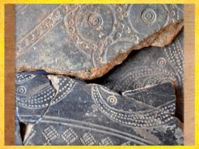 D'après des motifs estampés et incisés, vase en terre cuite, Morbihan, Bretagne, vers 425-375 avjc, La Tène, âge du Fer, art Celte. (Marsailly/Blogostelle)